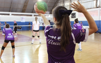 Prati-Donaduzzi-backed project teaches volleyball to over 300 children and young people from Toledo